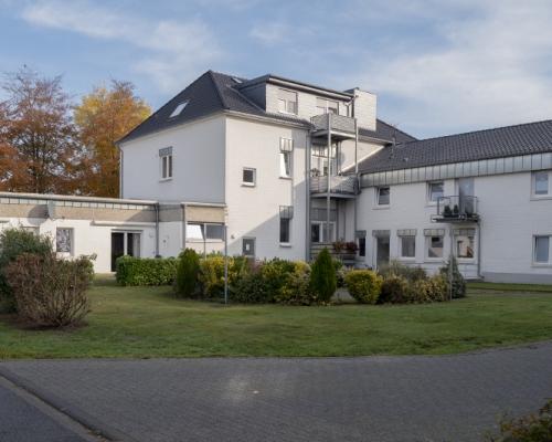 Clivia_Altes_Rathaus_Altenpflege_Altenheim_Kleve_Aussenansicht