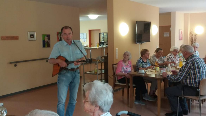 Nachmittagskaffee mit volkstümlicher Musik im Alten Rathaus